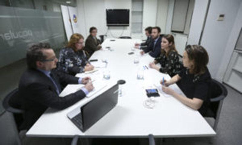 Fotografía sala de reuniones